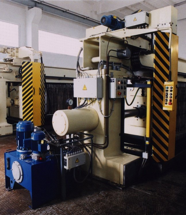 AKEAO 1100<br />COV Prerov, cloth washer.